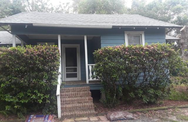 6821 Fern Cir - 6821 Fern Circle, Lake County, FL 34748