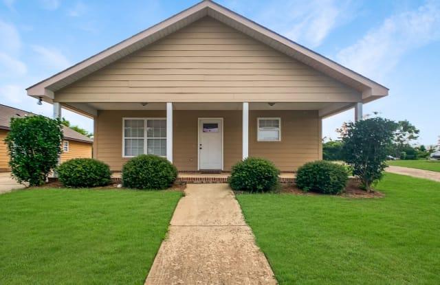 1597 10th Street E - 1597 10th Street East, Tuscaloosa, AL 35404