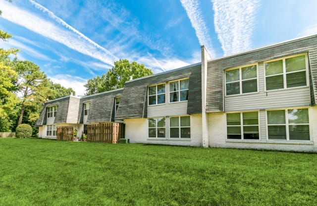 Fox Hill - 313 Silver Isles Blvd, Hampton, VA 23664