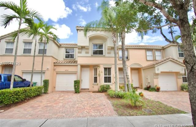 4725 SW 164th Ave - 4725 Sterling Drive, Cutler Bay, FL 33157