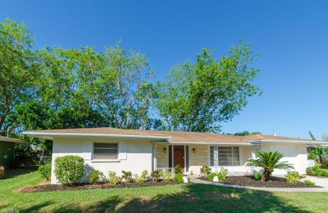 2858 Gulf Gate Dr - 2858 Gulf Gate Drive, Gulf Gate Estates, FL 34231