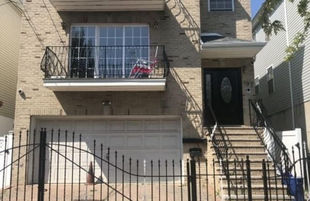 197 BADGER AVE - 197 Badger Avenue, Newark, NJ 07108