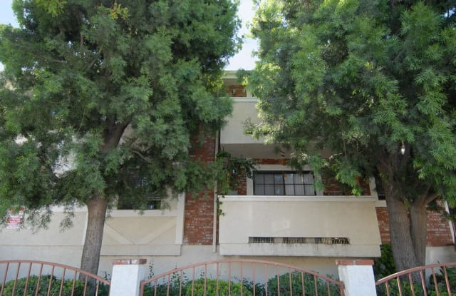 The Elmwood Apartments - 260 West Elmwood Avenue, Burbank, CA 91502