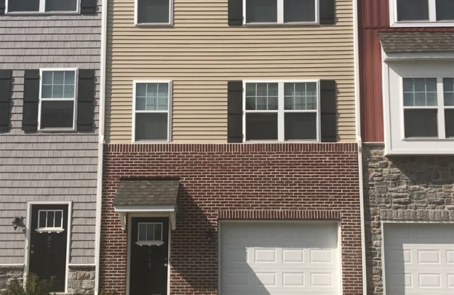 807 Admiral's Quay Dr - 807 Admiral's Quay Drive, Cumberland County, PA 17050