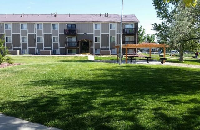 Sunridge Apartments - 3900 E 12th St, Casper, WY 82609