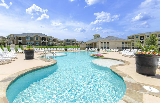 Park at Briggs Ranch - 5525 Mansions Bluffs, San Antonio, TX 78245