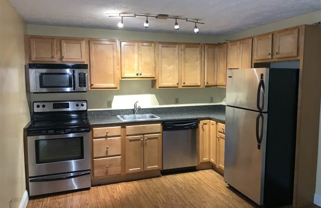 555 Calef Road - 555 Calef Rd, Manchester, NH 03103