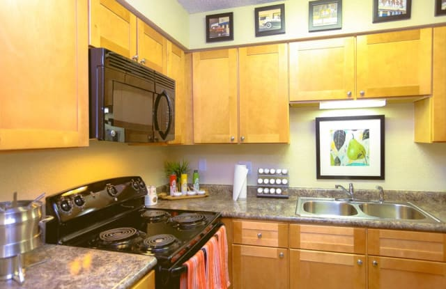 Signal Pointe Apartments - 2500 Howell Branch Rd, Winter Park, FL 32792