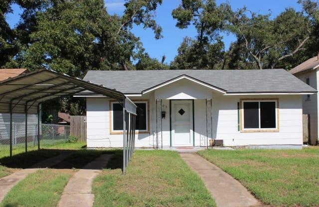 203 Gilder Street - 203 Gilder Street, Brenham, TX 77833