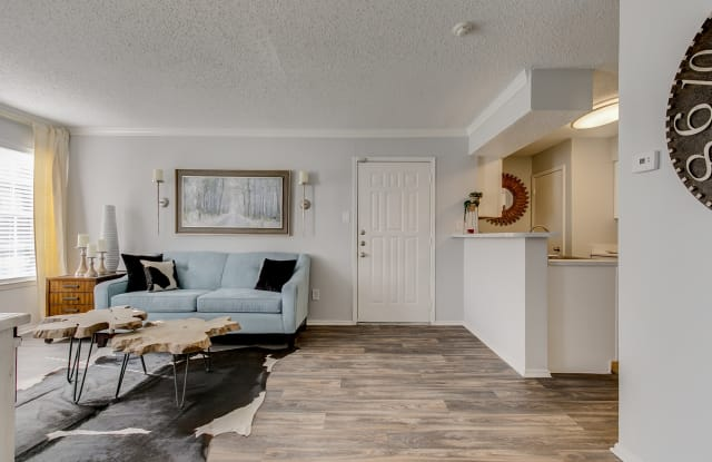 Wimbledon Oaks - 1802 Wimbledon Oaks Lane, Arlington, TX 76017