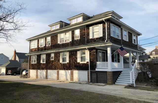632 Main Avenue - 632 Main Ave, Bay Head, NJ 08742
