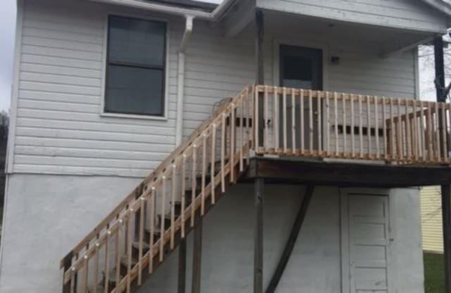 529 1/2 17th Street - 529 1/2 17th St, Dunbar, WV 25064