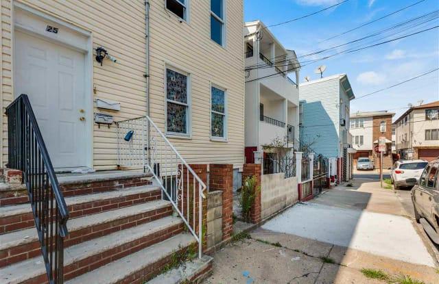 25 WELDON ST - 25 Weldon Street, Jersey City, NJ 07306