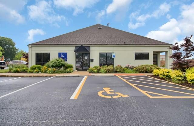 1121 University Drive - 1121 University Dr, Edwardsville, IL 62025