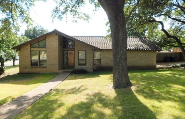 1301 Shannon Oaks TRL - 1301 Shannon Oaks Trail, Austin, TX 78746