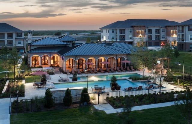 Vue Castle Hills - 5500 State Highway 121, Lewisville, TX 75056