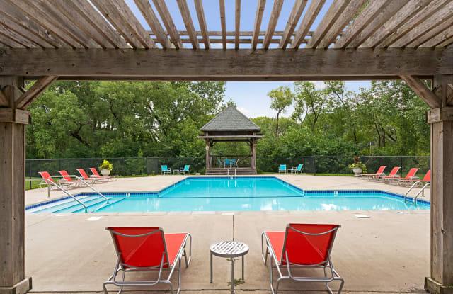Willow Pond - 11751 W River Hills Dr, Burnsville, MN 55337