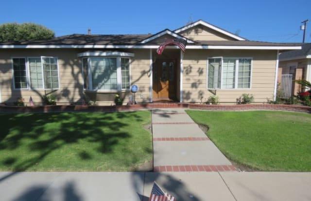 2048 Pattiz Avenue - 2048 Pattiz Avenue, Long Beach, CA 90815