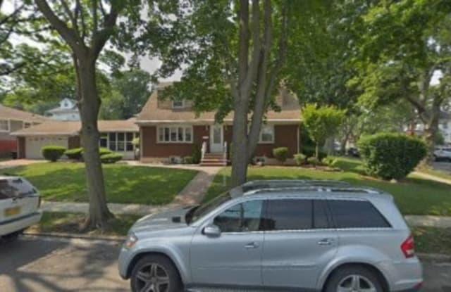 1 McFarland Ave. - 1 Macfarland Avenue, Staten Island, NY 10305
