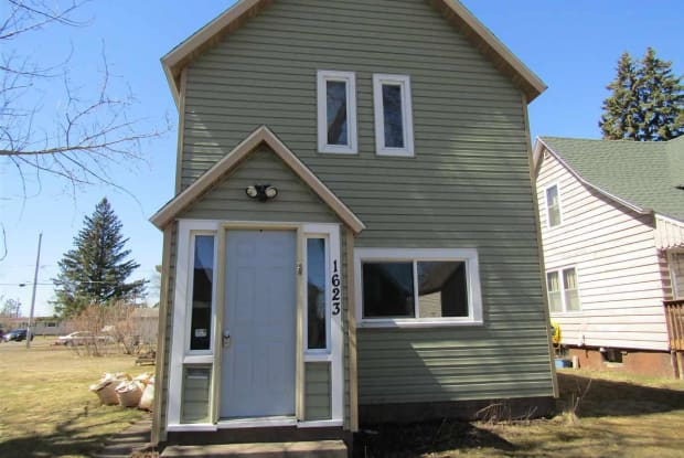 1623 Iowa Ave - 1623 Iowa Avenue, Superior, WI 54880