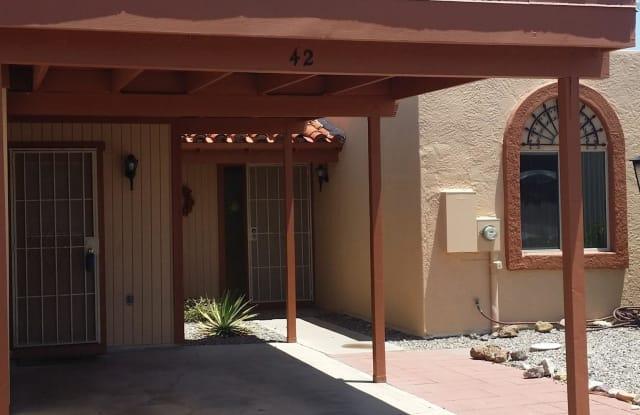 42 W Calle Del Chancero - 42 West Calle Del Chancero, Green Valley, AZ 85614