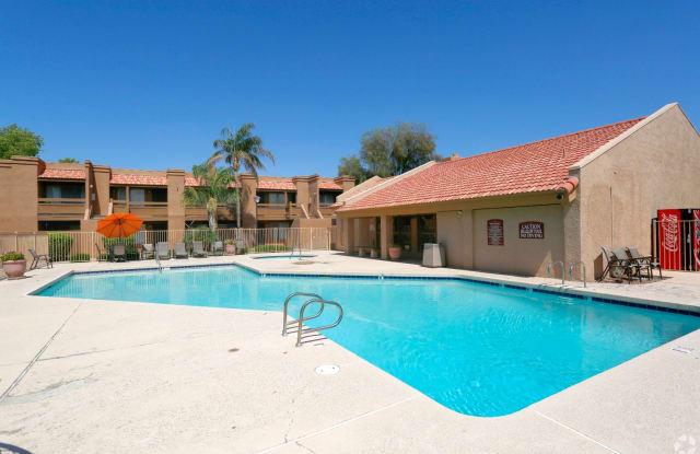 Sunset Landing - 8450 N 67th Ave, Glendale, AZ 85301