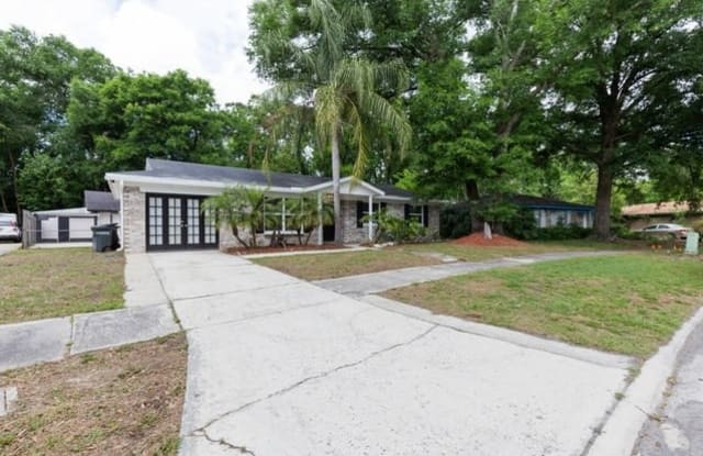 4904 Lofty Pines Cir W - 4904 Lofty Pines Circle West, Jacksonville, FL 32210