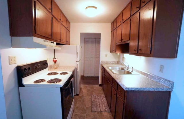 Colonial Terrace - 1266 Gorman Avenue, West St. Paul, MN 55118