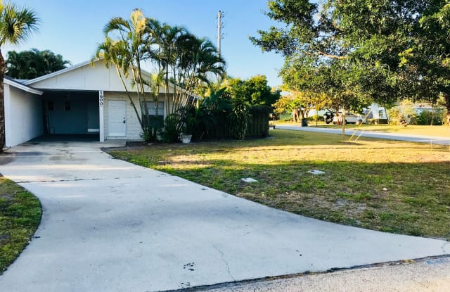 1600 SE 7th Street - 1600 Southeast 7th Street, Stuart, FL 34996