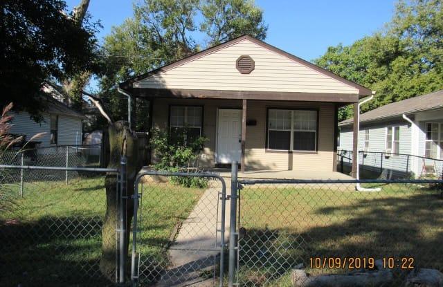 552 Lynn St - 552 Lynn Street, Indianapolis, IN 46222