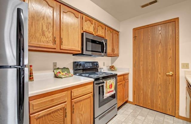 Arbor Ridge Apartments - 7960 N 107th St, Milwaukee, WI 53224