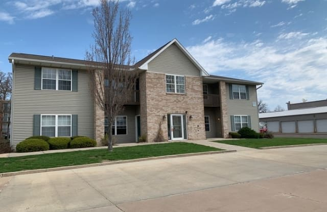 1327 West Covington Court - 1327 West Covington Court, Peoria, IL 61614