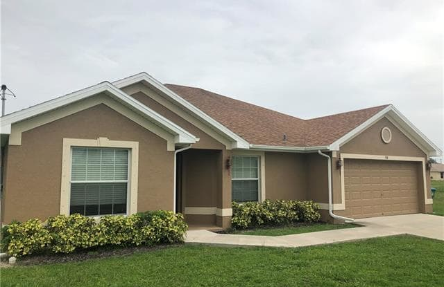 918 NE 32nd TER - 918 Northeast 32nd Terrace, Cape Coral, FL 33909
