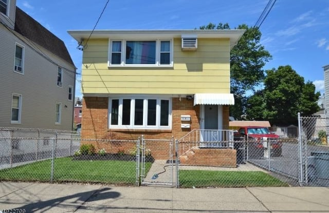 135 BRIGHTON AVE - 135 Brighton Avenue, Kearny, NJ 07032