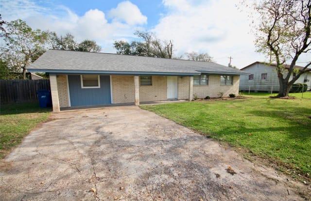 8911 W 1st Street - 8911 1st Street, Needville, TX 77461