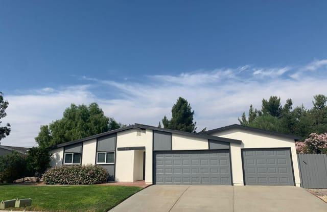 215 Dryden Street - 215 Dryden Street, Thousand Oaks, CA 91360