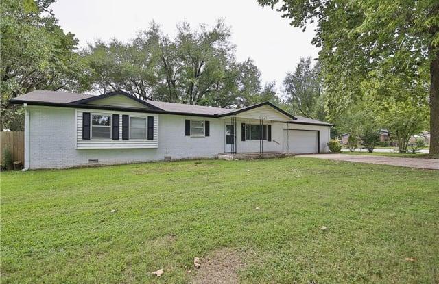 2409 Shady Grove RD - 2409 West Shady Grove Road, Springdale, AR 72762