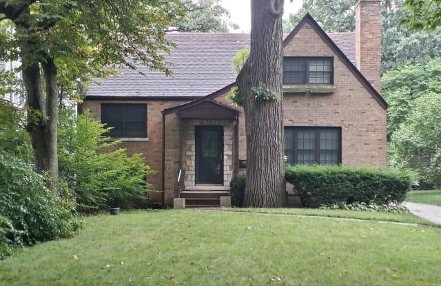 241 North Kenilworth Avenue - 241 North Kenilworth Avenue, Oak Park, IL 60302