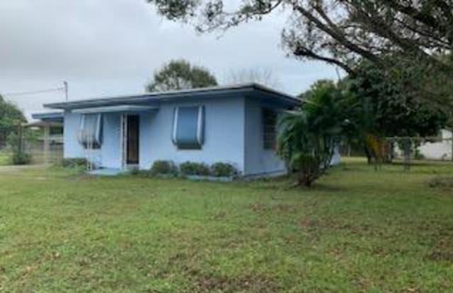 1004 S 15th S Street - 1004 S 15th St, Fort Pierce, FL 34950
