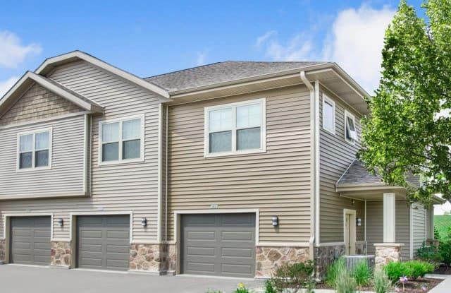High Bluff Townhomes - 1606 High Bluff Rd, Grafton, WI 53024