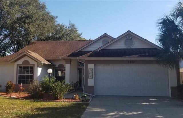 1542 BAY VIEW STREET - 1542 Bay View St, Tarpon Springs, FL 34689