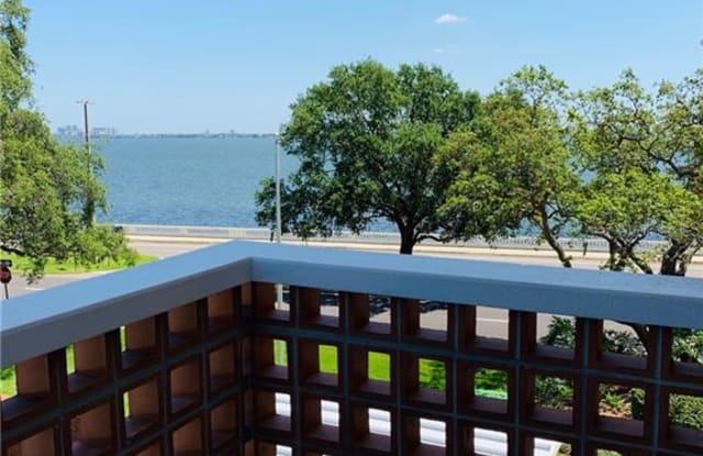 4015 BAYSHORE BOULEVARD - 4015 Bayshore Boulevard, Tampa, FL 33611