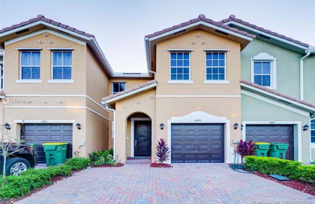 1445 SE 26 AVE - 1445 SE 26th Ave, Homestead, FL 33035