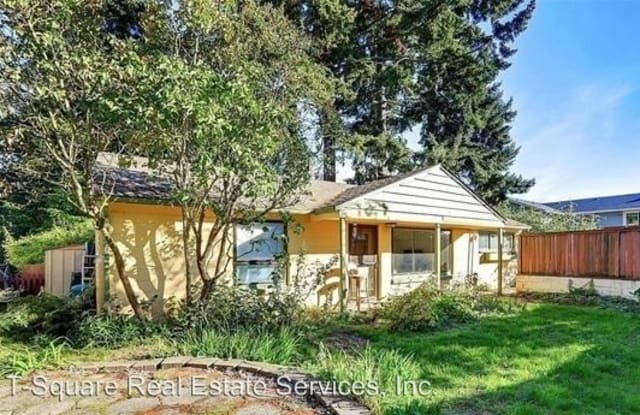 13512 Burke Ave N - 13512 Burke Avenue North, Seattle, WA 98133