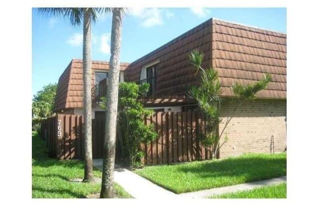 763 SW 120th Way - 763 Southwest 120th Way, Davie, FL 33325