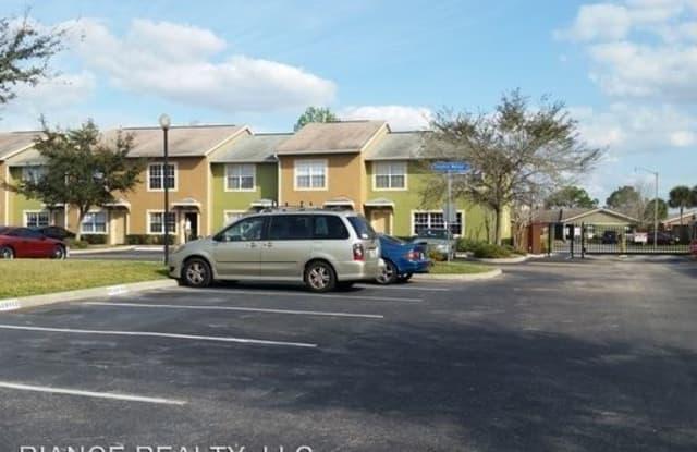 322 Cervantes Drive - 322 Cervantes Drive, Buenaventura Lakes, FL 34743