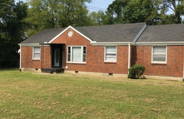 135 Ewing Dr - 135 Ewing Drive, Nashville, TN 37207