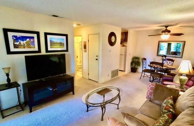 510 N Villa Court #116 - 510 North Villa Court, Palm Springs, CA 92262