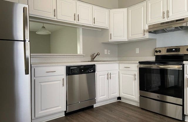 Colony Townhomes - 5581 Burnlee Pl, Raleigh, NC 27609