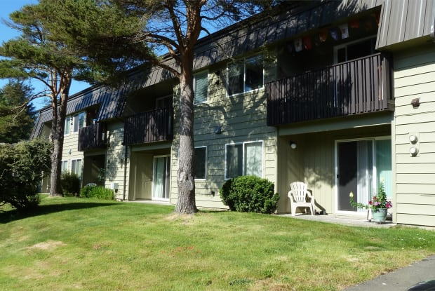 2163 NW Mast Place, Apt. C - 2163 NW Mast Pl, Lincoln City, OR 97367